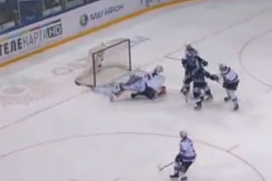 Watch Ilya Gorokov's Great Stretch Save in KHL Playoffs (VIDEO)