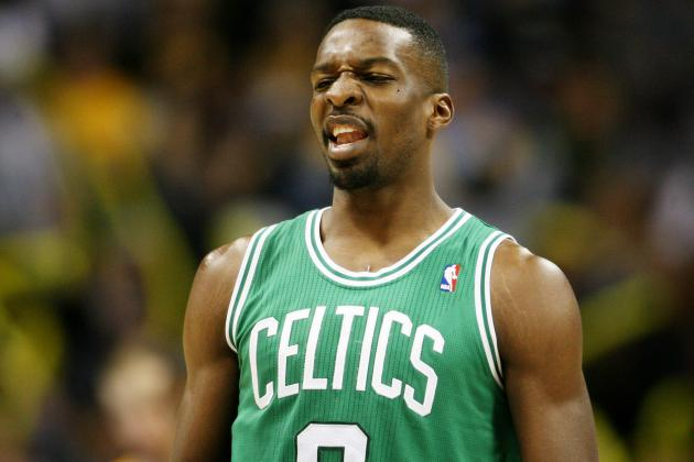 Video: Jeff Green Hits Buzzer-Beating Game-Winner to Top Cavs