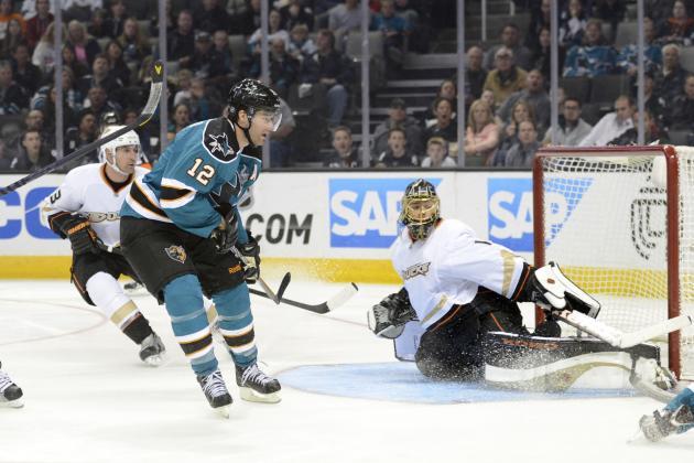 Sharks Win 2nd Straight Against Skidding Ducks