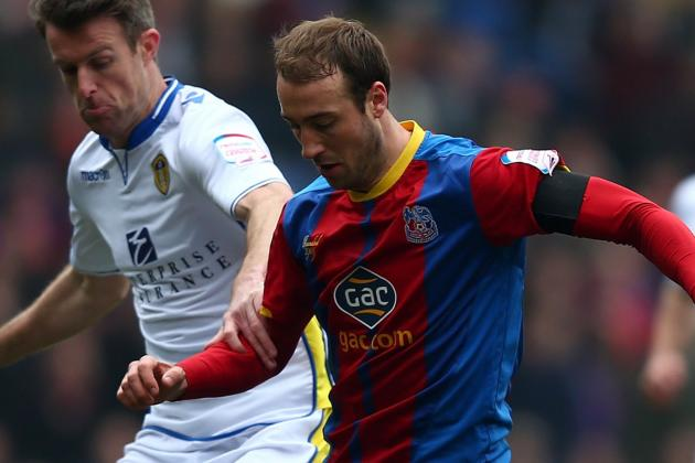 Prolific Palace Striker Murray Signs New Contract at Selhurst Park