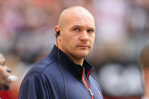 Brian Urlacher Must Be Willing to Take Less Money to Continue Career