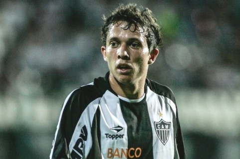 Bernard Anxious for Brazil Call-Up