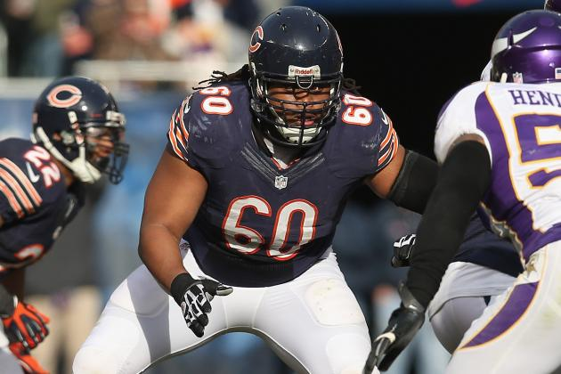 Dolphins Sign Ex-Bears Guard Lance Louis