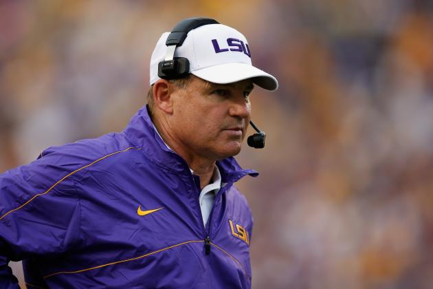 LSU Coach Les Miles Says Tigers Improving Despite Sloppiness on Offense