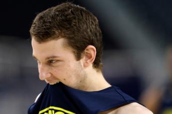 Kansas Hoping Michigan's Freshmen Will 'crumble' Under Sweet 16 Pressure