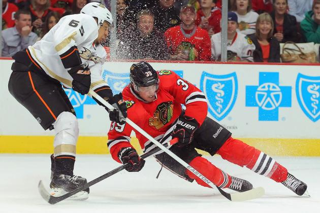 Souray's Late Goal Lifts Ducks over Blackhawks