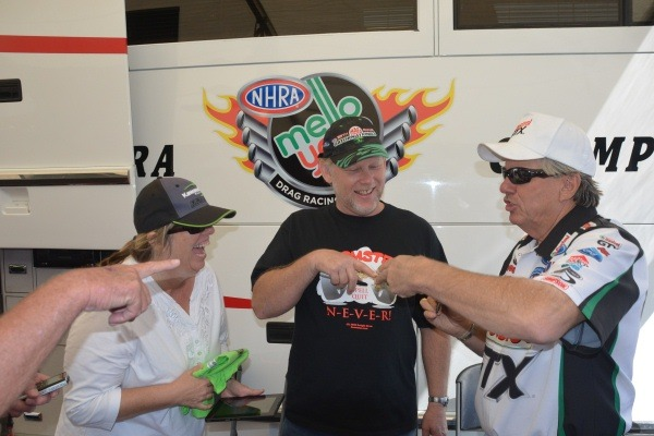 FYI WIRZ: Two Indycar and NHRA Motorsports Fans Prove Honesty Counts
