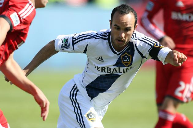 Dunivant's Captain's Armband Gesture a Surprise for Donovan
