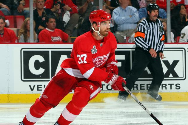 Red Wings-Blackhawks Game-Day Updates: Samuelsson, Franzen to Play Today