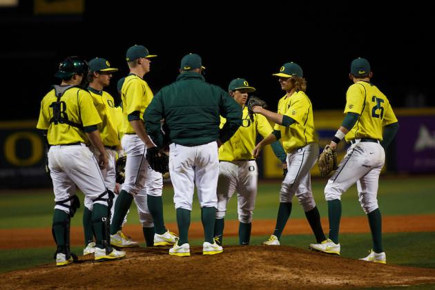 Pac-12 Baseball: Ducks Pull into 1st After Series Losses for Beavers and Bruins