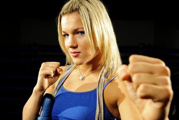 Bellator 94: Felice Herrig Apologizes for Post-Fight Scrap with Heather Clark