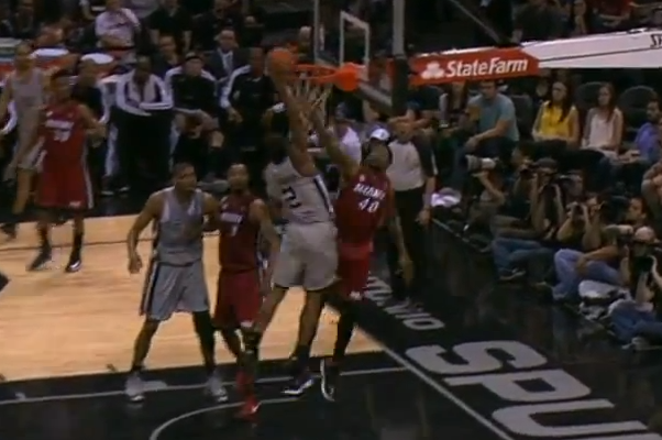 Kawhi Leonard Dunks on Udonis Haslem (VIDEO)