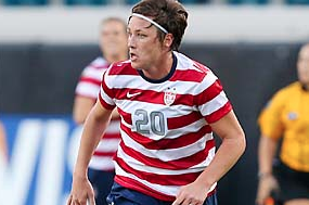 Abby Wambach Opposes Artificial Turf for 2015 Women's World Cup