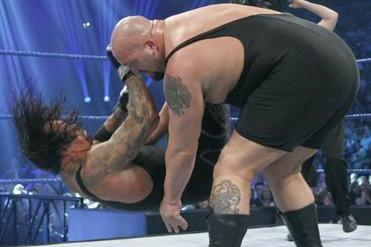 WWE: What Big Show's Chokeslam Ban Could Mean for Undertaker in the Future