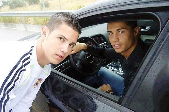 Ronaldo Poses with Fan Who Is the Spitting Image of Him