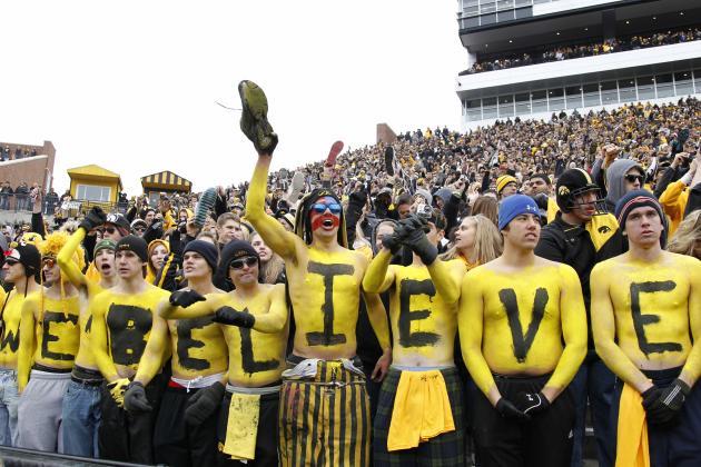 Iowa's Dawson to Leave Football Program