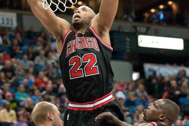 Taj Gibson Suffers Knee Injury vs. Wizards