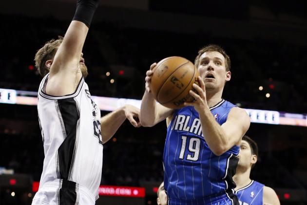 Spurs, led by their bench, beat the Magic 98-84