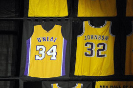 Lakers to Fix Retired Shaq Jersey Flaw Before Friday's Game