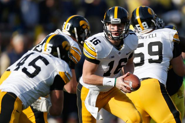 Video: Early Glimpse of Hawkeye Football Team