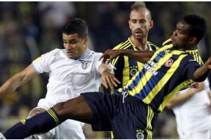 10-Man Lazio Lose Late on in Istanbul