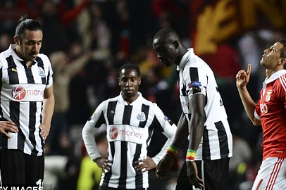 Defensive Blunders Cost Toon as Pardew's Men Undone by Santon Slip
