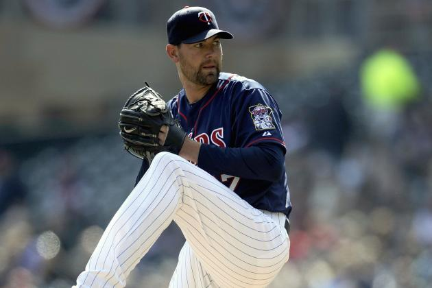 Pelfrey Wins Debut as Twins Pummel Tigers