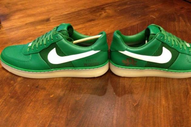 Nike Unveils Custom Tiger Woods Shoes for Masters