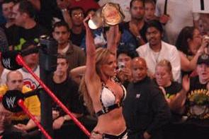 WWE WrestleMania XXIX: Divas Title Needed Trish Stratus to Make Card