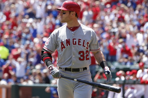 Rangers Intentionally Walk Pujols Three Times to Face Josh Hamilton