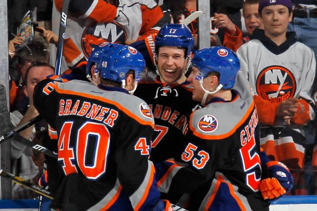 Martin's Tally in 3rd Pushes Isles Past Lightning