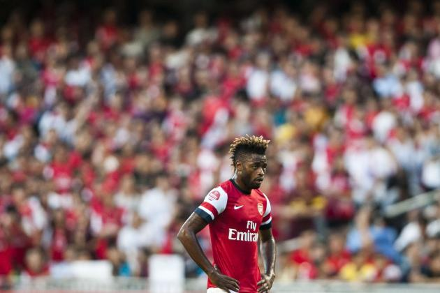 Why Re-Signing Alex Song from Barcelona Wouldn't Be Wise for Arsenal