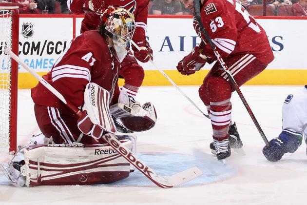 Video: Enraged Mike Smith Smashes Other Player's Stick