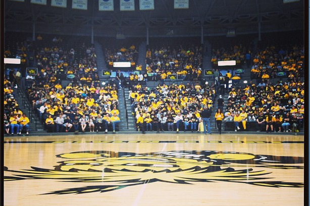 Fans Fill Koch Arena to Welcome Back Shockers