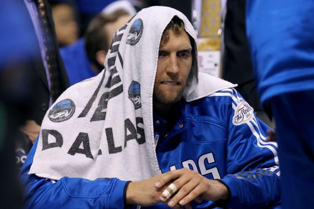 Dirk Nowitzki (foot) Sits out Fourth Quarter