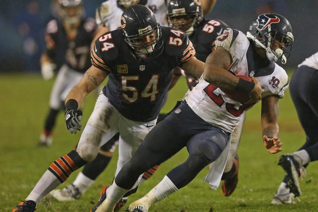 Brian Urlacher May Be Old, but He's Far from Done in the NFL