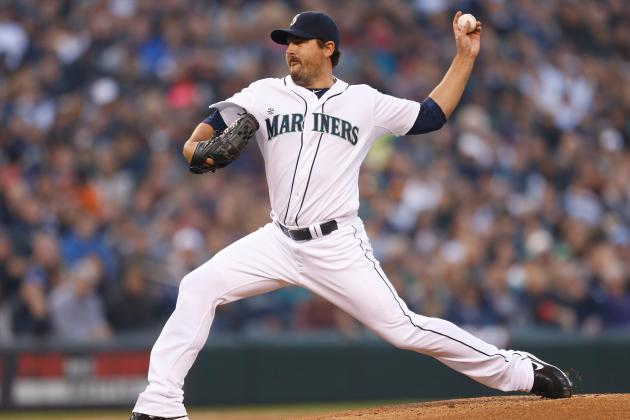 Joe Saunders Bounces Back in Mariners' Home Opener