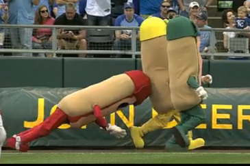 Royals Mascot Eats It In Race