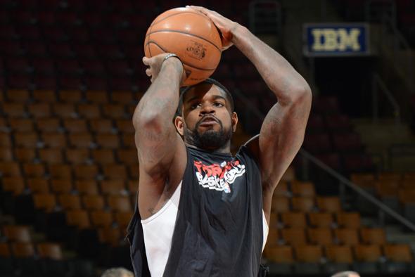 Amir Johnson Has Worn the Same Warmup T-Shirt All Season