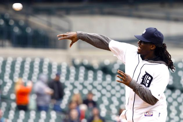 Denard Robinson's First-Pitch Fail at Detroit Tigers Game