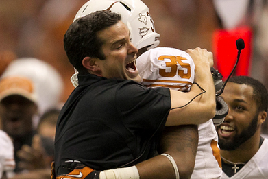 Texas Longhorns DC Manny Diaz Celebrates Latest Commit with a Tweet