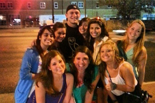 Johnny Manziel Goes out at Texas A&M and Women Everywhere Flock to Him