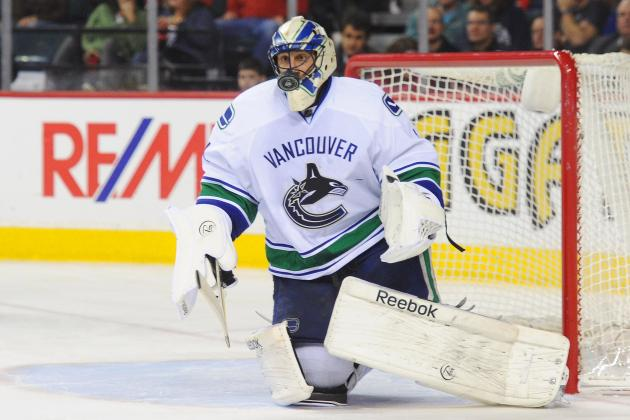 Luongo Makes Surprise Start, Helps Canucks