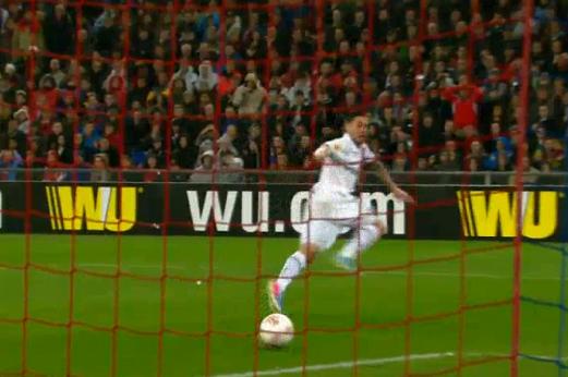 Dempsey Puts Tottenham Ahead