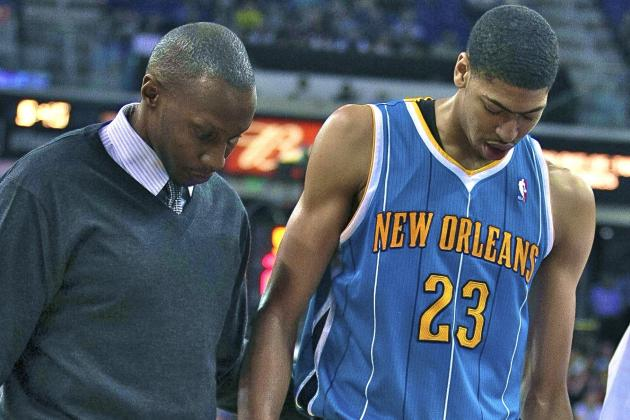 Anthony Davis Sprains MCL, Avoids More Significant Injury