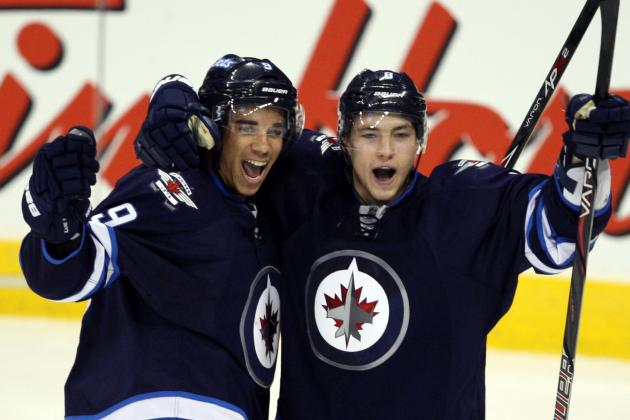Kane Scores Twice as Jets Win 3rd Straight Game