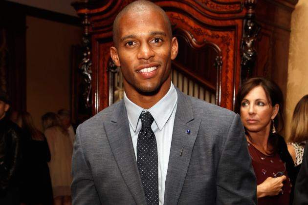 Jay-Z Expected to Keep Victor Cruz with N.Y. Giants
