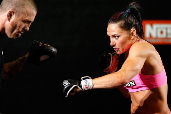 Cat Zingano: 'I Don't Want to Just Be Successful,  I Want to Be Extraordinary'
