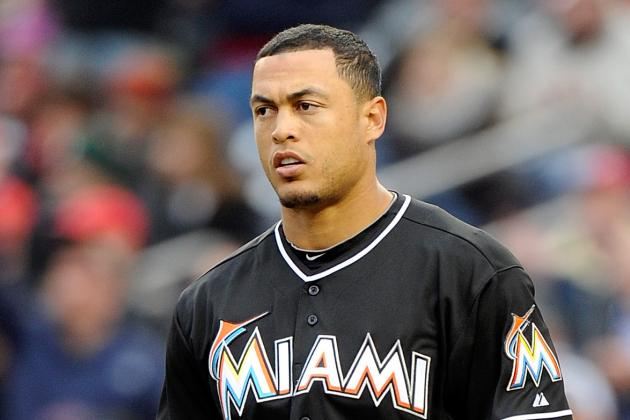 Giancarlo Stanton Day-to-Day After MRI Reveals Left Shoulder Contusion