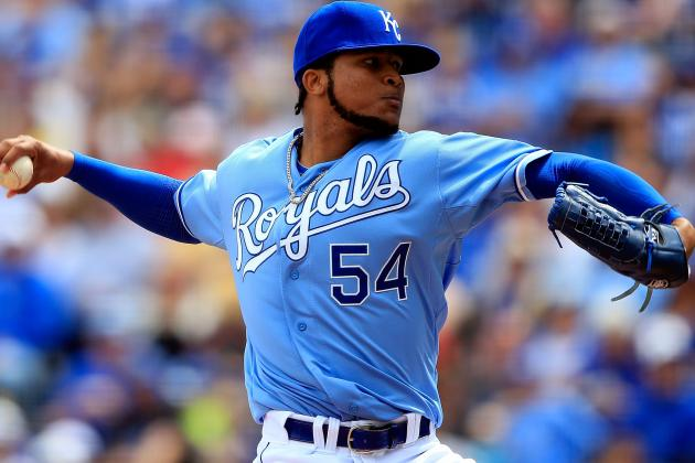 Royals Beat Blue Jays 3-2 on Ervin Santana's Grit